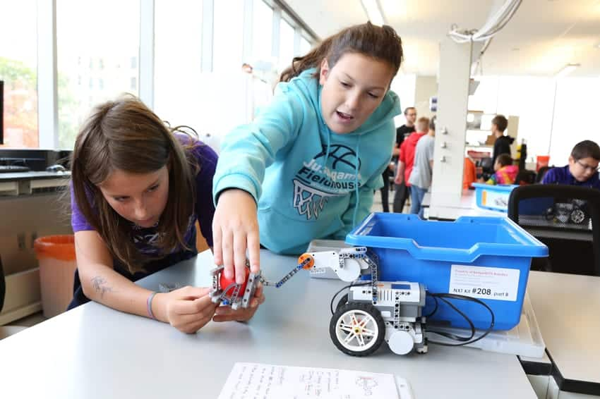Robotic problem-solving